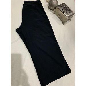 LUCY Black short pant size M